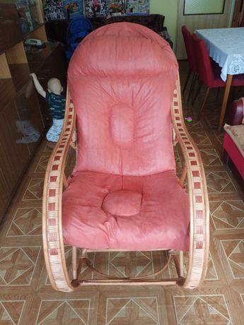 Duży wiklinowy fotel bujany bujak polskie rzemiosło ozdobne z wikliny