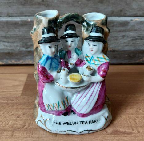 "Wazonik ""The Welsh Tea Party"" z serii Fairing - Conta Boehme"