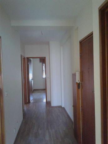 Apartamento T2  centro de Gondomar (Junto ao centro comercial Mafavis)
