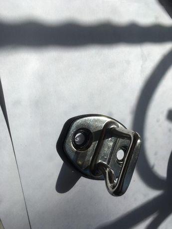 Cтопорный хомут 3C0837033P (5K0837767) на VW