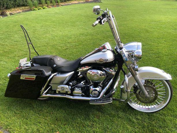 Harley davidson Road King anniversary Chicano style FLHRCI