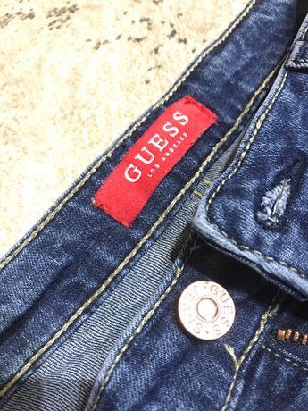 Spodnie jeans Guess perełki przetarcia rozmiar S
