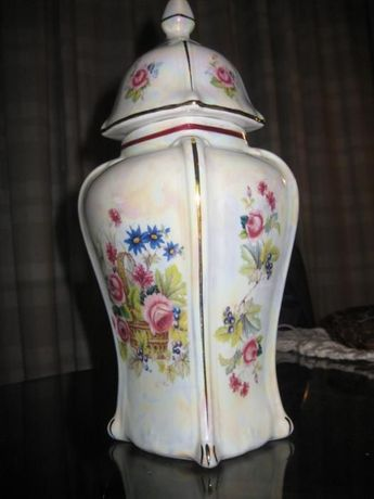 Pote com tampa SOPHIE Porcelains