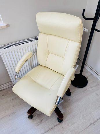 Skórzany Fotel do biurka na kółkach biurowy wygodny