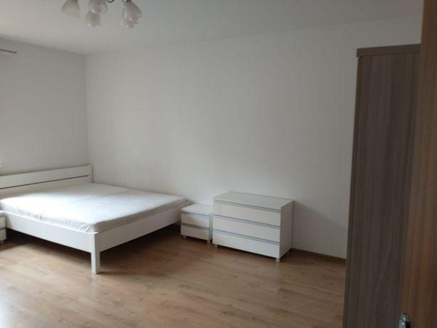 Pokoje w mieszkaniu na stzeżonym osiedlu z parkingiem
