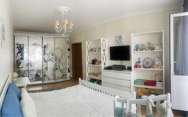 Продается 3-х комнатная квартира, ул. А.Ахматовой