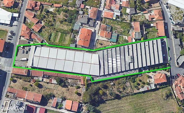 Armazém 4.300m2 em Vila Nova de Gaia