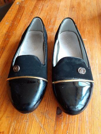 Lakierki, buty dla dziewczynki r.32