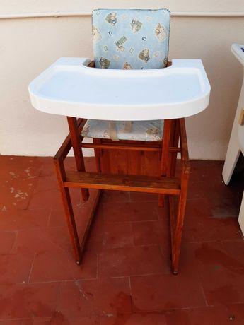 cadeira  de comida madeira