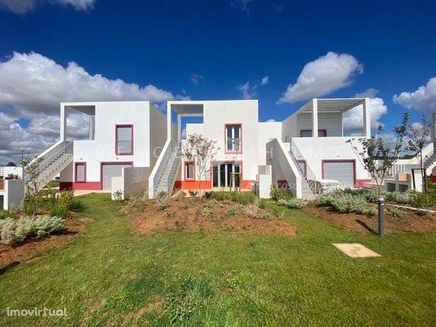Moradia com 3 suites no condomínio Uptown em Vilamoura – Arrendamento