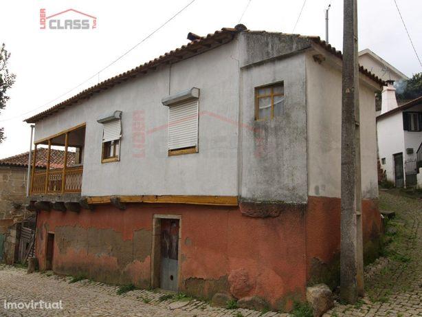 Moradia Para Restauro em Benlhevai - Vila Flor