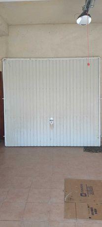 Portão de Garagem Basculante Manual