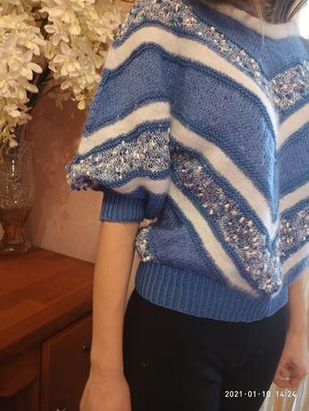 Ангорка,голубой с синим,белым цветом свитерок,очень нарядный,красивый