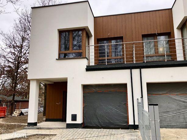 Nowoczesne domy na Białołęce z widokiem na las