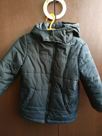 Продам деми куртку для мальчика 110 р.