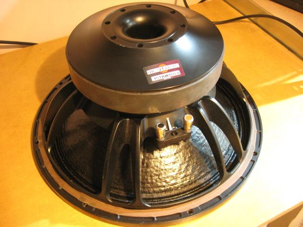 Skrzynia Subbas B&C 15TBW100 moc 3000W car audio kino domowe tuba
