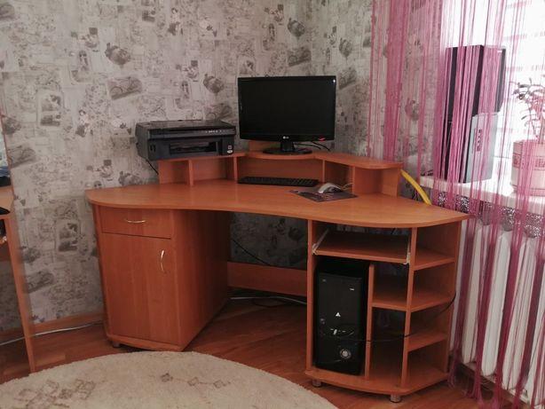 Стол угловой компютерный