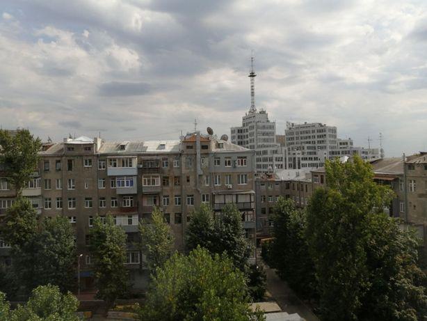 Продам 3-х комн. кв-ру на Госпроме (ст.метро Научная). Лучшая цена