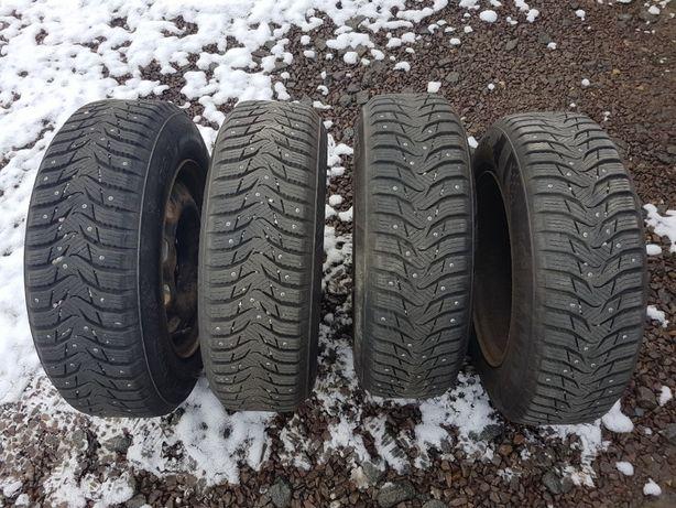 Зимові шиповані шини + диски 175/70 R14 KUMHO WinterCraft 10,5мм