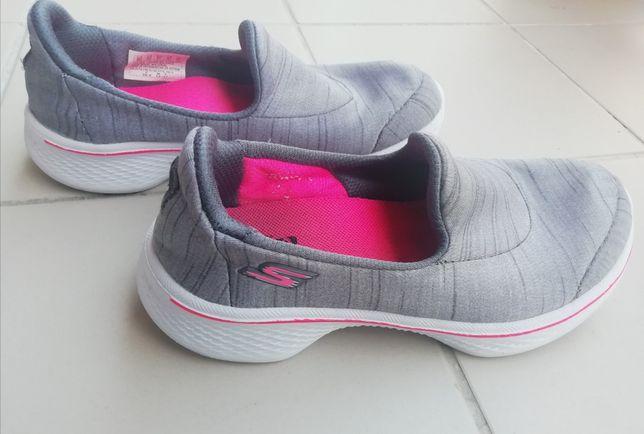 Skechers cinza Menina
