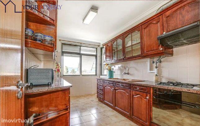 Apartamento T3 com Garagem e Arrecadação