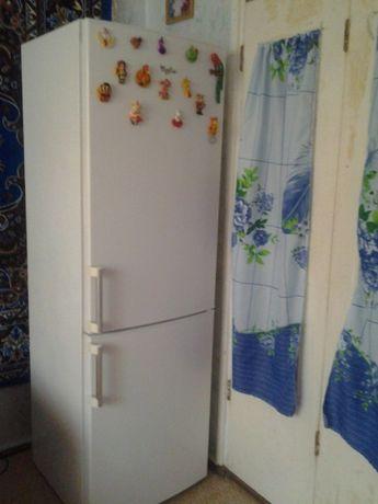 Продам срочно! Двухкамерный холодильник Whirlpool