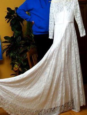 Suknia ślubna, koronkowa