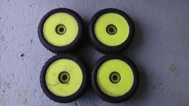 4 pneus rc 1.8