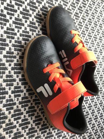 Buty pilkarskie halówki fila rozm 33 na rzepy