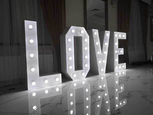Napis dekoracujny LOVE