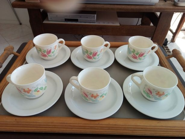 Serviço de porcelana de 6 chávenas de café