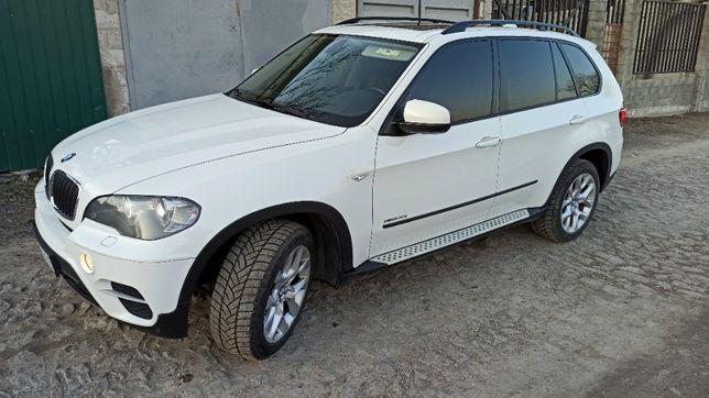 BMW X5 белый с панорамной крышей