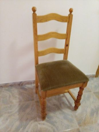 Vendo cadeira de quarto em pinho e tecido