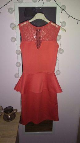 Modna sukienka malinowa