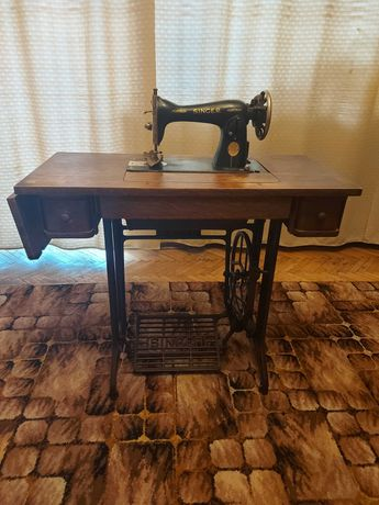 Signer maszyna do szycia + stolik
