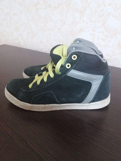 Кроссовки ботинки 36р натуральна замш