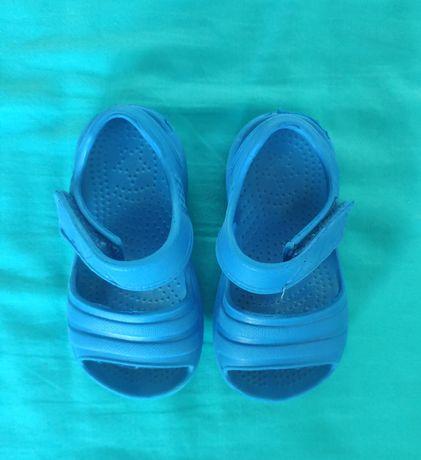 Sandałki piankowe F&F 24