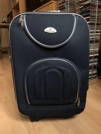 Granatowa mała walizka