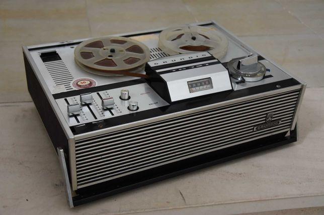 Gravador de Bobines Grundig TK 121(década 60 ou 70).