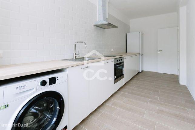 Apartamento tipologia T3 para vender no centro da cidade rés-do-chão e