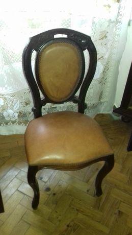 Cadeiras em Pele
