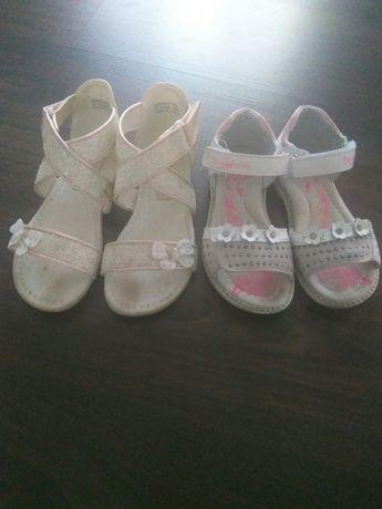 Дитячі сандалики