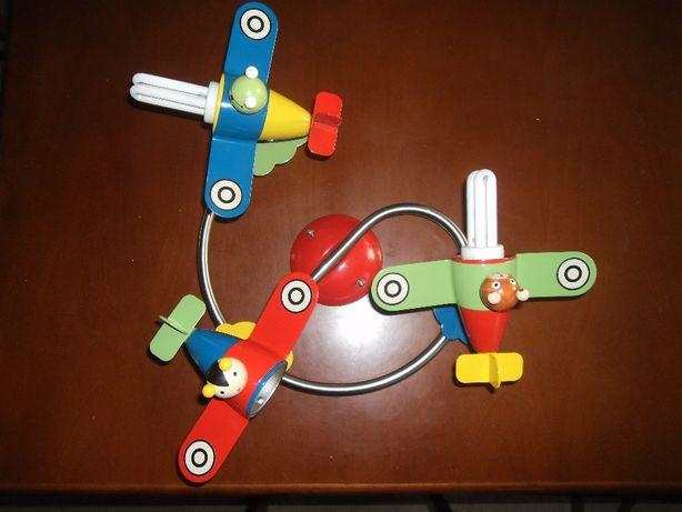 Żyrandol dziecięcy samoloty