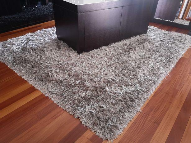 Tapetes ou carpetes
