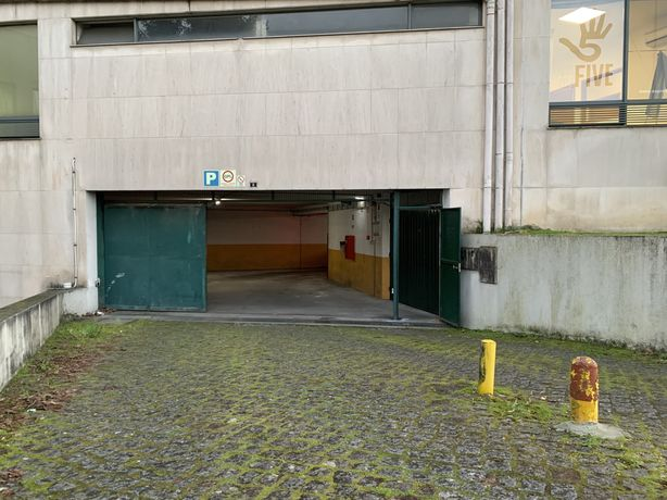 Alugo Garagem Box Estação CP Braga