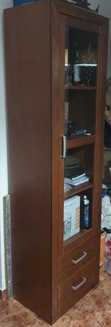 Móvel de madeira para sala (vitrine)