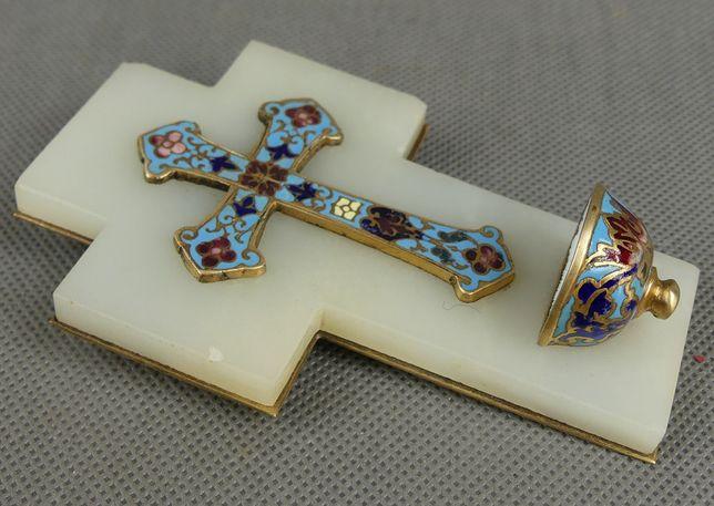 KROPIELNICA alabaster emalia Jezus KRZYŻ