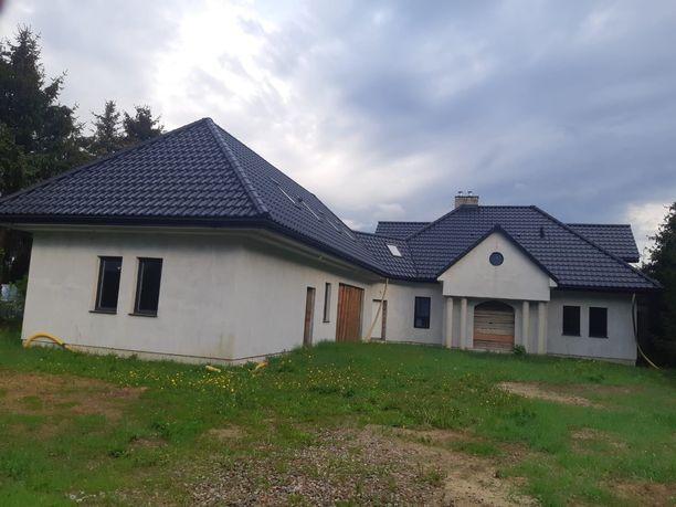 Duży dom w spokojnej okolicy