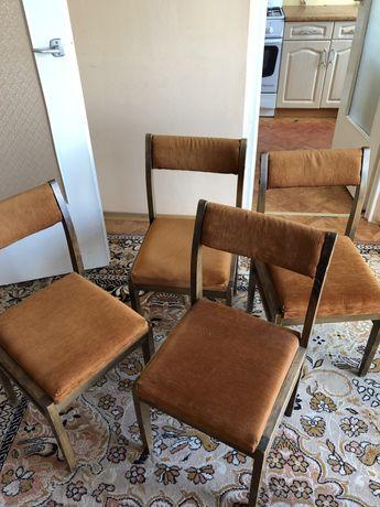 4 krzesła , prl , używane , stylowe