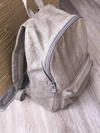 Шкільний портфель